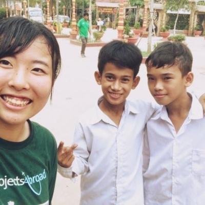 カンボジアでチャイルドケア&地域奉仕活動 正木莉絵